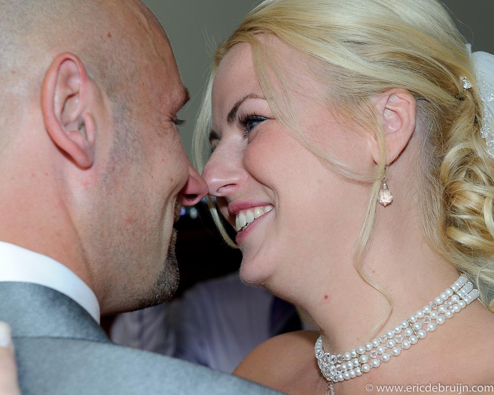 Mooi, warme, emotionele portretten als trouwfotograaf
